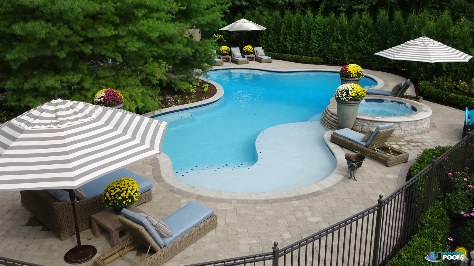 luxury-pool-design-shelby-twp