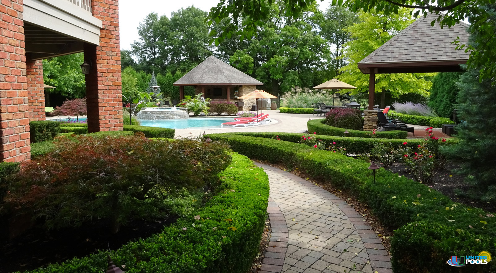 residential-custom-pool-with-spa-2